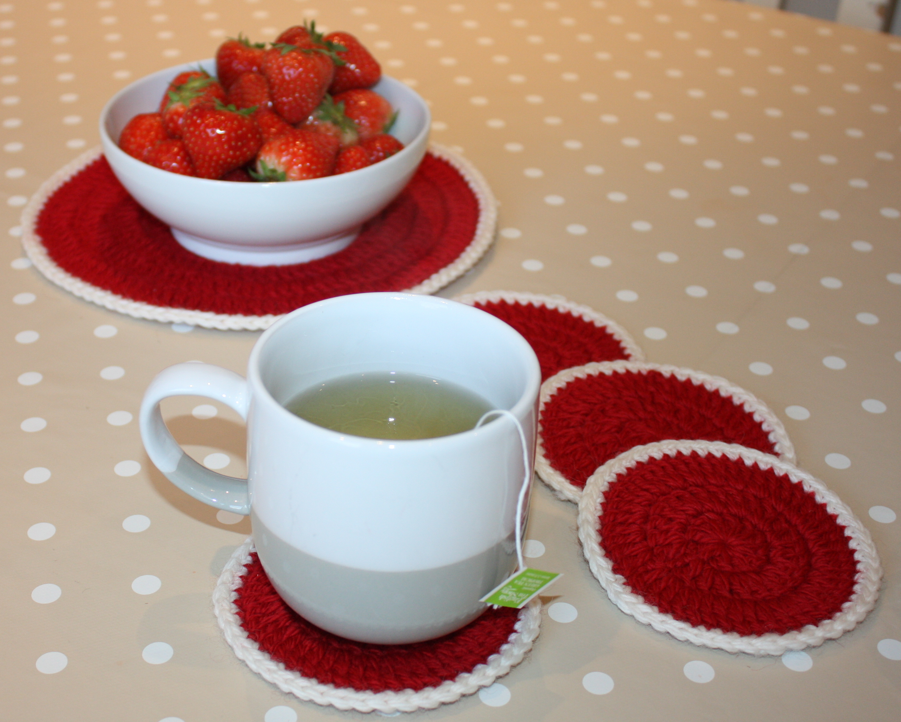 Simple Coasters – Free Crochet Pattern | Mezzacraft - Sharing the ...